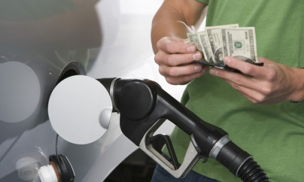 10 Simple Steps To Save Money On Gas