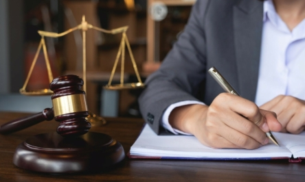 How to become a good attorney